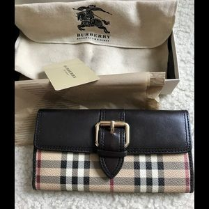 GUC Burberry wallet